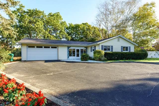 696 E Hoffman Street, Three Rivers, MI 49093 (MLS #21111961) :: Sold by Stevo Team | @Home Realty