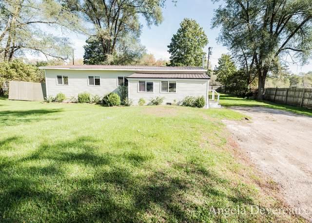 6489 S Garlock Road, Carson City, MI 48811 (MLS #21112009) :: Sold by Stevo Team | @Home Realty