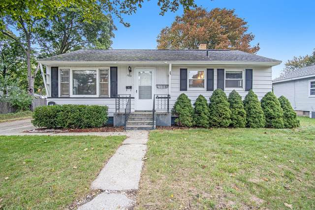 1970 Philo Avenue, Muskegon, MI 49441 (MLS #21112038) :: BlueWest Properties