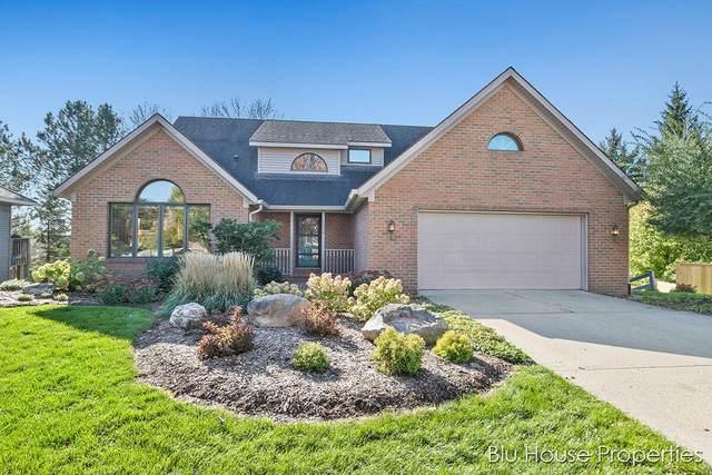 2534 Ridgecroft Avenue SE, Grand Rapids, MI 49546 (MLS #21112058) :: Fifth Floor Real Estate