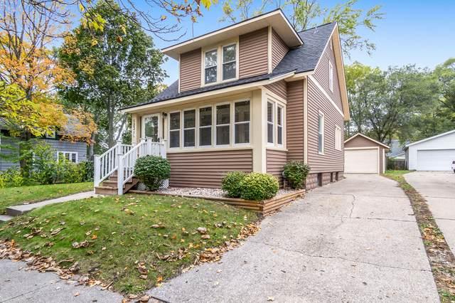 1231 Franklin Avenue, Grand Haven, MI 49417 (MLS #21112511) :: The Hatfield Group