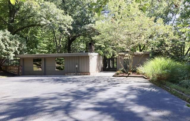288 Deer Run Drive NE, Grand Rapids, MI 49503 (MLS #21112702) :: The Hatfield Group