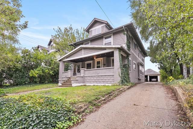 641 Fairview Avenue NE, Grand Rapids, MI 49503 (MLS #21112741) :: The Hatfield Group