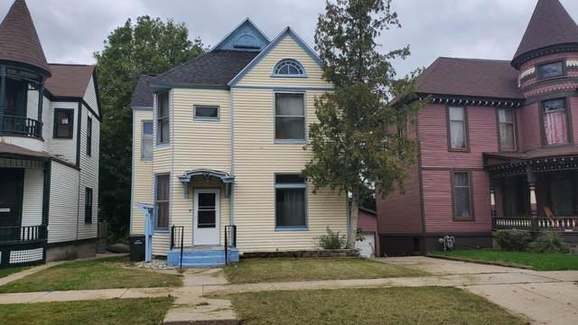 500 W Clay Avenue, Muskegon, MI 49440 (MLS #21112764) :: The Hatfield Group
