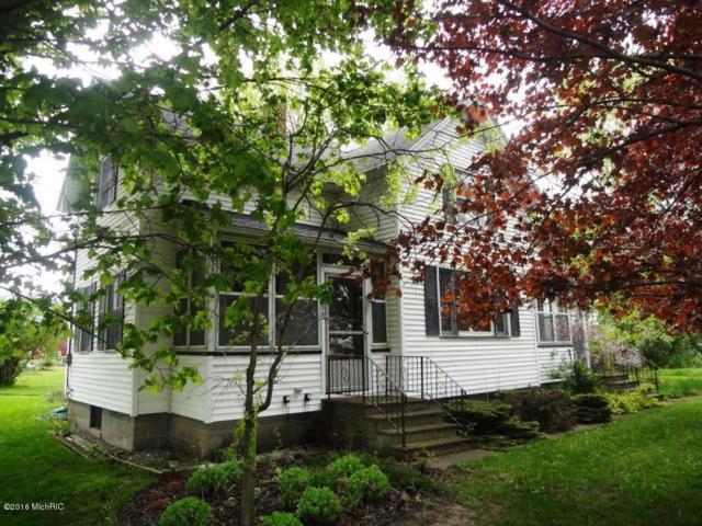 6960 S Maple Island Road, Holton, MI 49425 (MLS #16027424) :: Carlson Realtors & Development