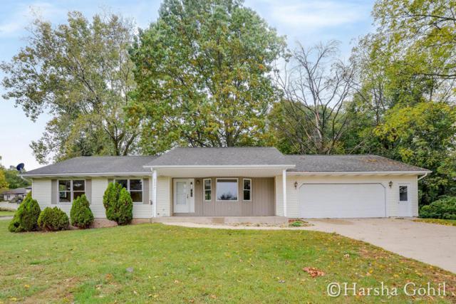 2247 Ramblewood Drive, Kalamazoo, MI 49009 (MLS #17051728) :: Matt Mulder Home Selling Team