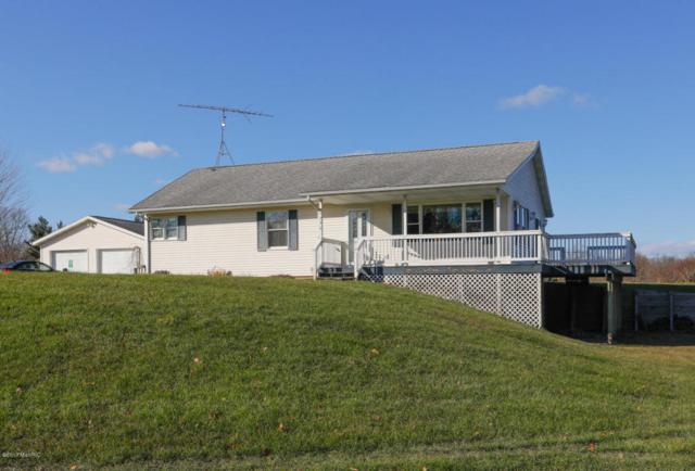 9975 E W Avenue, Vicksburg, MI 49097 (MLS #17058015) :: Matt Mulder Home Selling Team
