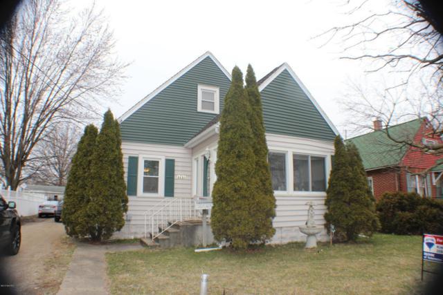 1713 E Cork Street, Kalamazoo, MI 49001 (MLS #18012076) :: Carlson Realtors & Development