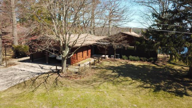 6324 Indian Point Road, Montague, MI 49437 (MLS #18012525) :: Deb Stevenson Group - Greenridge Realty