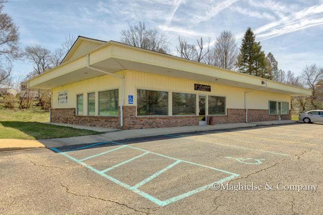 1668 142nd Avenue, Dorr, MI 49323 (MLS #18018951) :: Deb Stevenson Group - Greenridge Realty