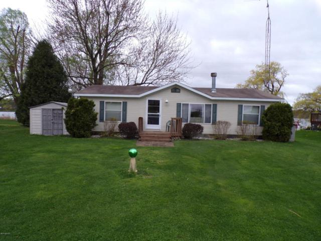 48322 68th Street, Hartford, MI 49057 (MLS #18019951) :: Deb Stevenson Group - Greenridge Realty