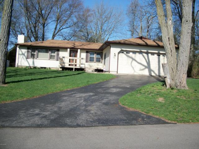 4960 Shoreview Drive, Coloma, MI 49038 (MLS #18022128) :: Carlson Realtors & Development
