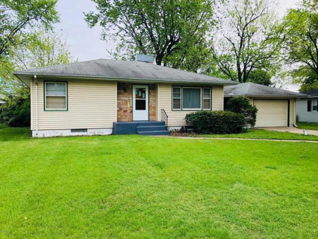 262 Clardelle Avenue, Benton Harbor, MI 49022 (MLS #18022539) :: Deb Stevenson Group - Greenridge Realty
