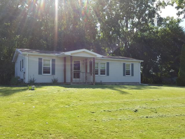 6420 Gillis Drive, Jackson, MI 49201 (MLS #18025370) :: Deb Stevenson Group - Greenridge Realty
