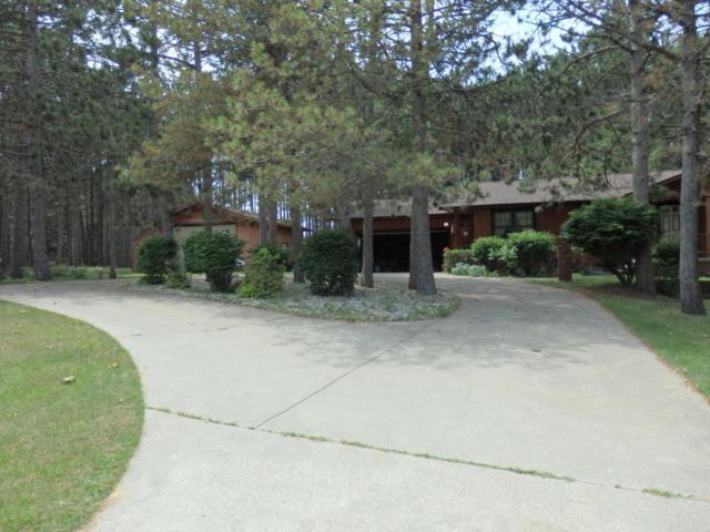 1530 Cherry Rd, Manistee, MI 49660 (MLS #18031605) :: Carlson Realtors & Development