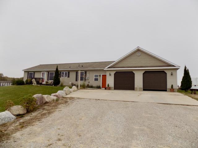 11145 W Vernon Road, Lake, MI 48632 (MLS #18037124) :: Deb Stevenson Group - Greenridge Realty