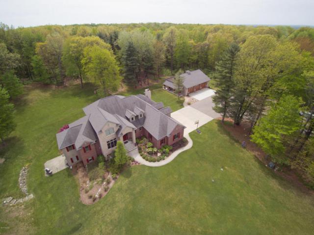 3323 W B Avenue, Plainwell, MI 49080 (MLS #18039609) :: Matt Mulder Home Selling Team