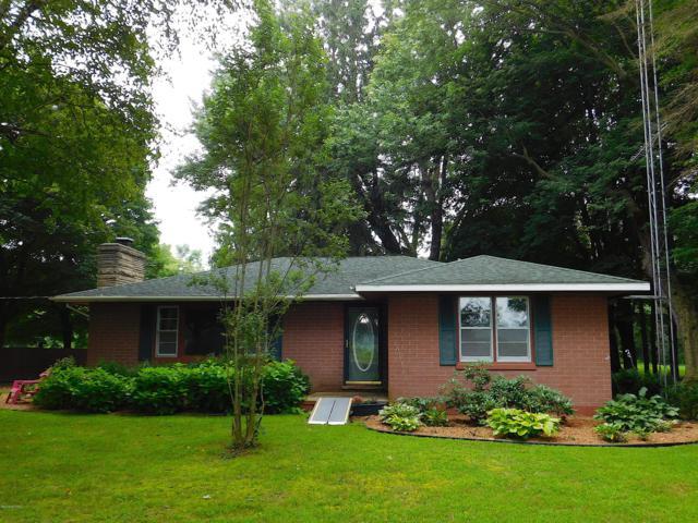 27801 Dewey Lake Street, Dowagiac, MI 49047 (MLS #18040246) :: Carlson Realtors & Development
