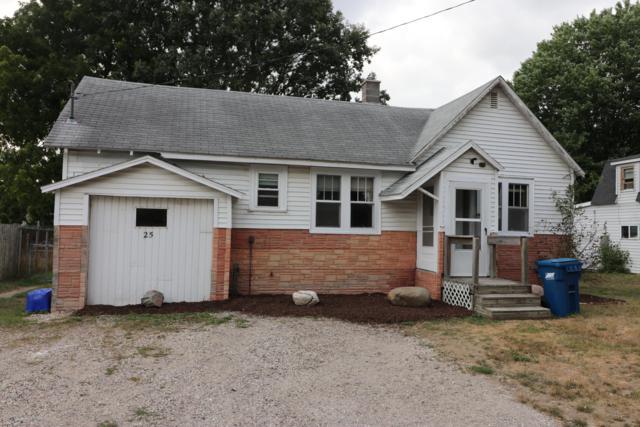 25 Fremont Avenue, Fremont, MI 49412 (MLS #18040426) :: Deb Stevenson Group - Greenridge Realty