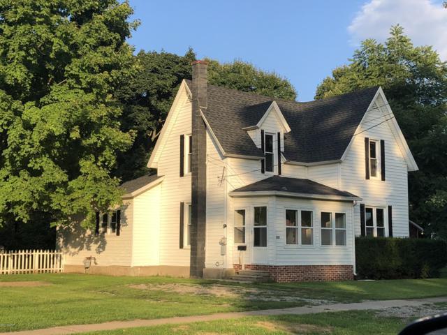 207 West Street, Jonesville, MI 49250 (MLS #18041537) :: Carlson Realtors & Development
