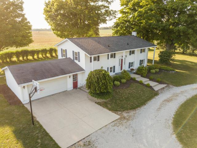 9245 S 56th Avenue, Montague, MI 49437 (MLS #18041909) :: JH Realty Partners