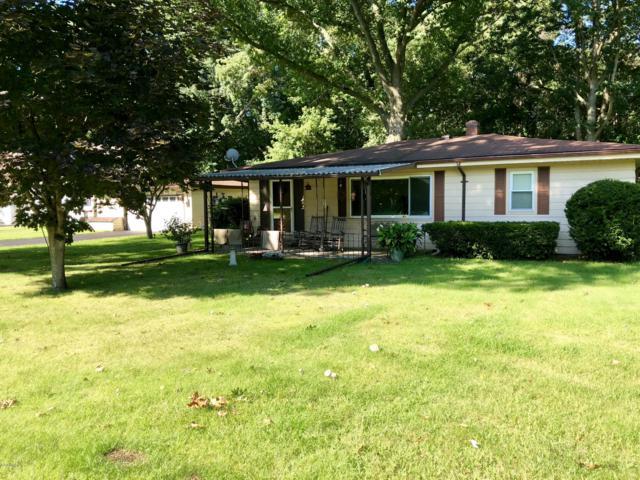91618 Pitcher Drive, Benton Harbor, MI 49022 (MLS #18044159) :: Deb Stevenson Group - Greenridge Realty