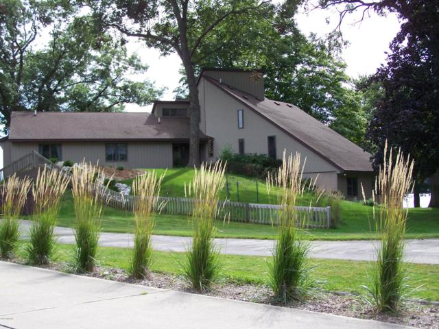 188 S Chester Street, Pentwater, MI 49449 (MLS #18046816) :: JH Realty Partners