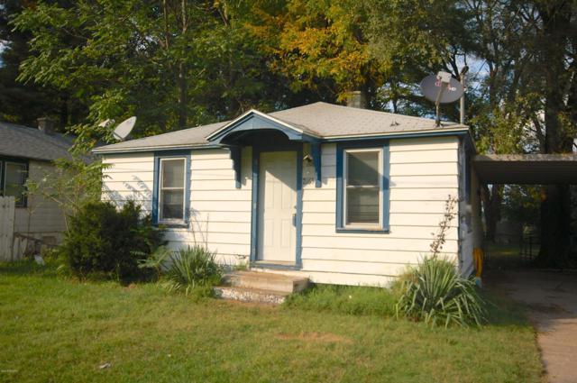 2165 Williams Avenue, Benton Harbor, MI 49022 (MLS #18047660) :: Deb Stevenson Group - Greenridge Realty