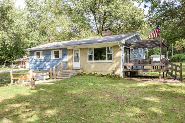 888 N 28th Street, Kalamazoo, MI 49048 (MLS #18048817) :: Carlson Realtors & Development