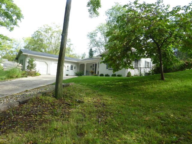 405 W Judd Street, Greenville, MI 48838 (MLS #18048884) :: Deb Stevenson Group - Greenridge Realty