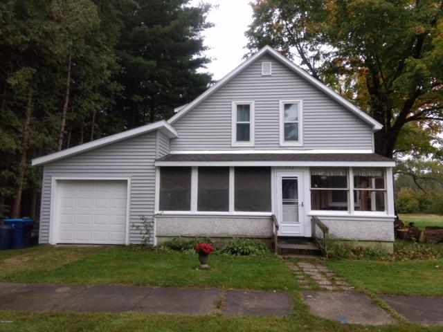 218 E Second Street, Scottville, MI 49454 (MLS #18049300) :: Deb Stevenson Group - Greenridge Realty