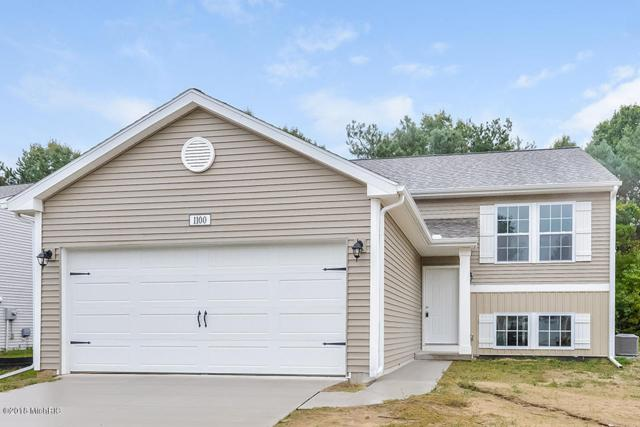 1100 Pinewood Drive, Greenville, MI 48838 (MLS #18049640) :: Deb Stevenson Group - Greenridge Realty