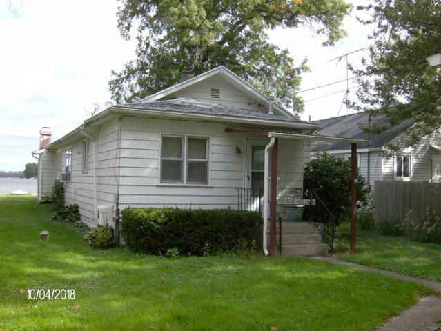 5107 S Long Lake Drive, Kalamazoo, MI 49001 (MLS #18049967) :: Deb Stevenson Group - Greenridge Realty