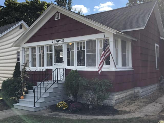 2125 Harrison Avenue, Muskegon, MI 49441 (MLS #18050540) :: Deb Stevenson Group - Greenridge Realty