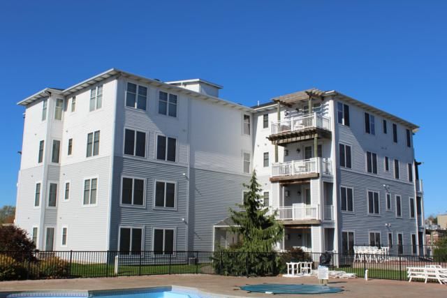 201 S William Street #17, Ludington, MI 49431 (MLS #18051014) :: Deb Stevenson Group - Greenridge Realty