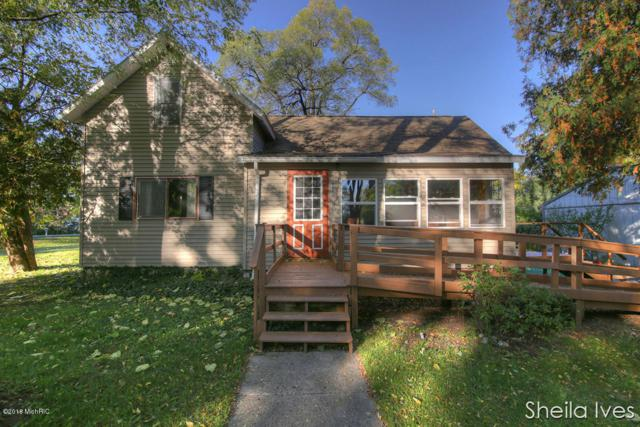 432 Pine Street, Howard City, MI 49329 (MLS #18051205) :: Deb Stevenson Group - Greenridge Realty