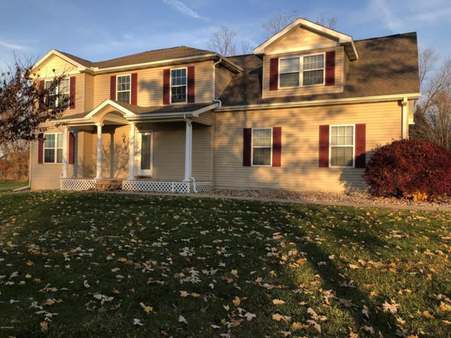 5481 Oak Hills Drive, Eaton Rapids, MI 48827 (MLS #18052909) :: Deb Stevenson Group - Greenridge Realty
