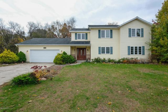 1024 S Stoneridge Drive, Plainwell, MI 49080 (MLS #18053384) :: Matt Mulder Home Selling Team
