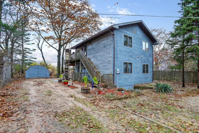 513 N Lighthouse Drive, Mears, MI 49436 (MLS #18054206) :: Deb Stevenson Group - Greenridge Realty