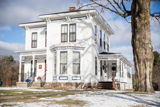323 Main Street, Blanchard, MI 49310 (MLS #18055825) :: Deb Stevenson Group - Greenridge Realty