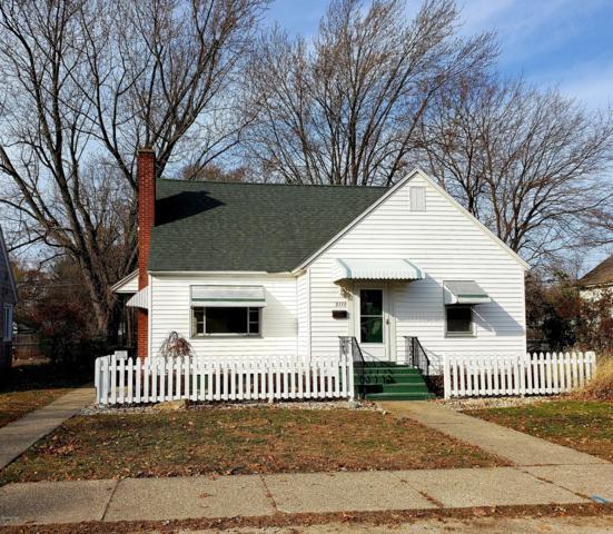 2118 Oak Avenue, North Muskegon, MI 49445 (MLS #18056176) :: Matt Mulder Home Selling Team