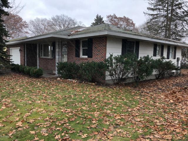 3164 Roosevelt Road, Roosevelt Park, MI 49441 (MLS #18057179) :: Deb Stevenson Group - Greenridge Realty
