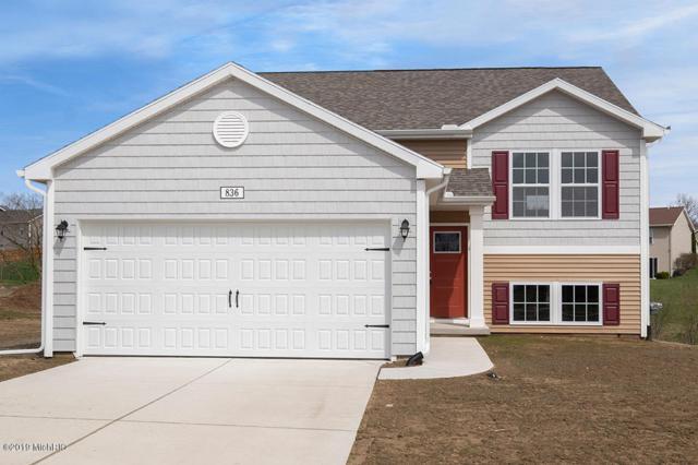 836 View Pointe Drive, Middleville, MI 49333 (MLS #19002629) :: Deb Stevenson Group - Greenridge Realty
