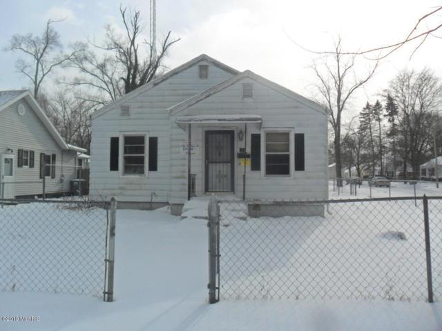 550 E May Street, Benton Harbor, MI 49022 (MLS #19003421) :: Deb Stevenson Group - Greenridge Realty