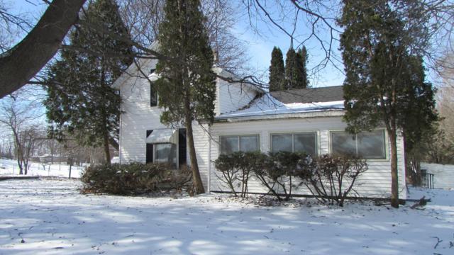 134 S Snow Prairie Road, Coldwater, MI 49036 (MLS #19003498) :: Deb Stevenson Group - Greenridge Realty