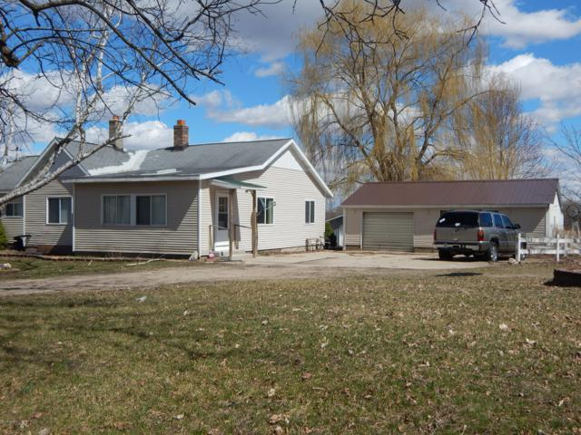 15018 Coalter Avenue, Kent City, MI 49330 (MLS #19003582) :: Matt Mulder Home Selling Team