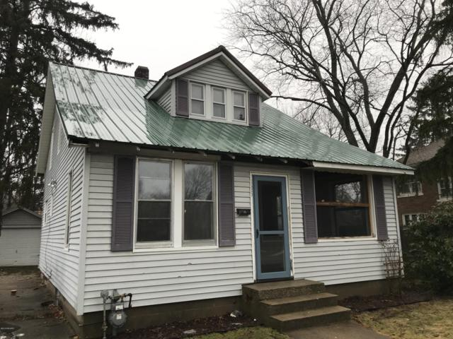 535 W Main Street, Niles, MI 49120 (MLS #19004481) :: Deb Stevenson Group - Greenridge Realty