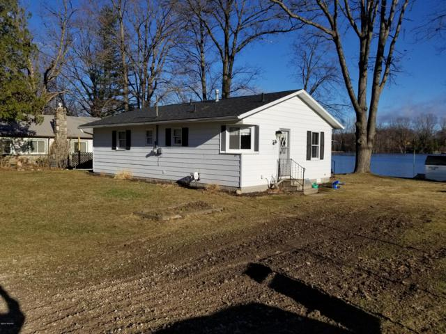 841 Coolidge Avenue, Six Lakes, MI 48886 (MLS #19006884) :: Matt Mulder Home Selling Team