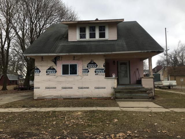 121 S Hayward Street, Montgomery, MI 49255 (MLS #19009046) :: Deb Stevenson Group - Greenridge Realty