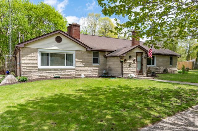 215 Main Street, Lawrence, MI 49064 (MLS #19009570) :: Matt Mulder Home Selling Team